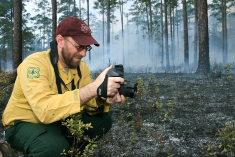A fire scientist records thermal imagery during a Florida prescribed fire. By David Godwin.